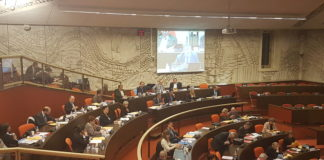 Les élus du groupe FN en session plénière.