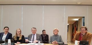 Les élus FN membres de la commission permanente : Jeanne Beaulier, Mathilde Paris, Michel Chassier, Véronique Péan, Charles de Gevigney.